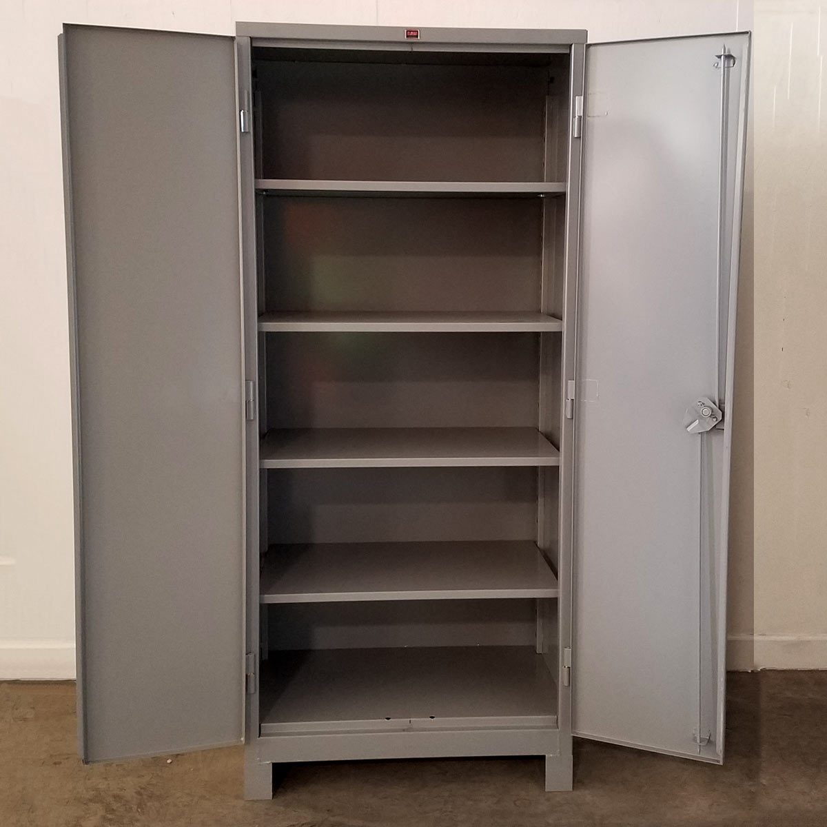 heavy duty cabinet